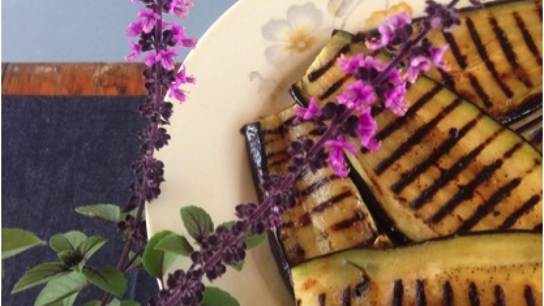 Koken met Mme Charlotte: aubergine met miso maaltijdsalade